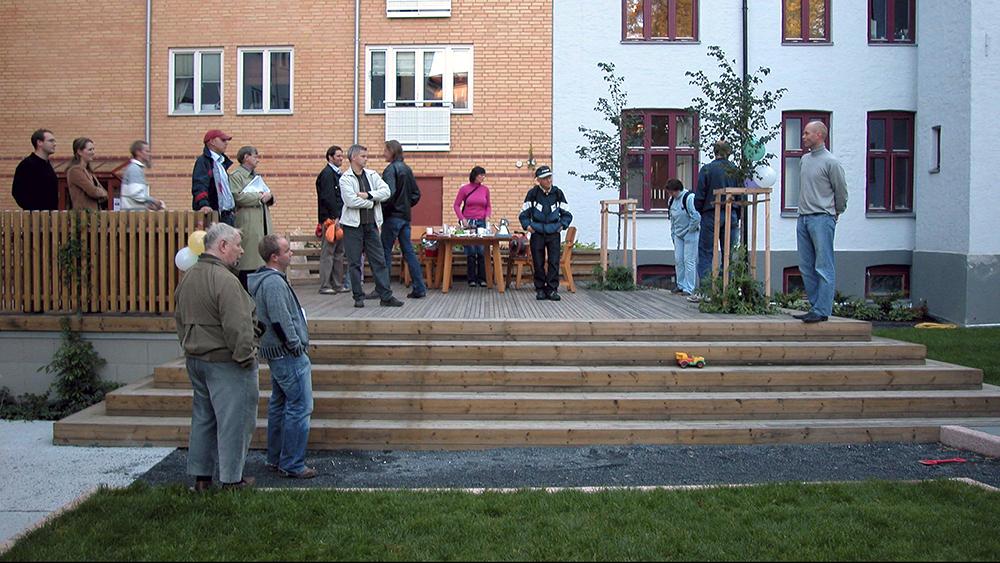 Torsdag 23. september 2004 ble det markert at EBYs rolle som byggherre for prosjektet var sluttført, og at eiere og beboere i kvartalet overtok ansvaret for drift og vedlikehold av det nye anlegget.